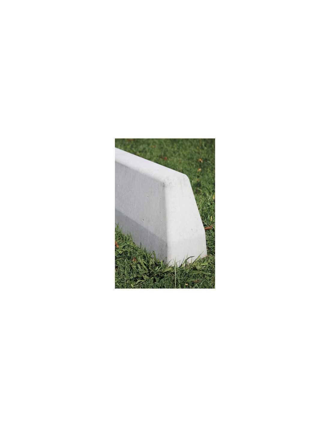 Bordure de d fense b ton for Bordure fenetre beton