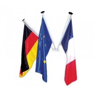 Mât pavoisement et drapeaux